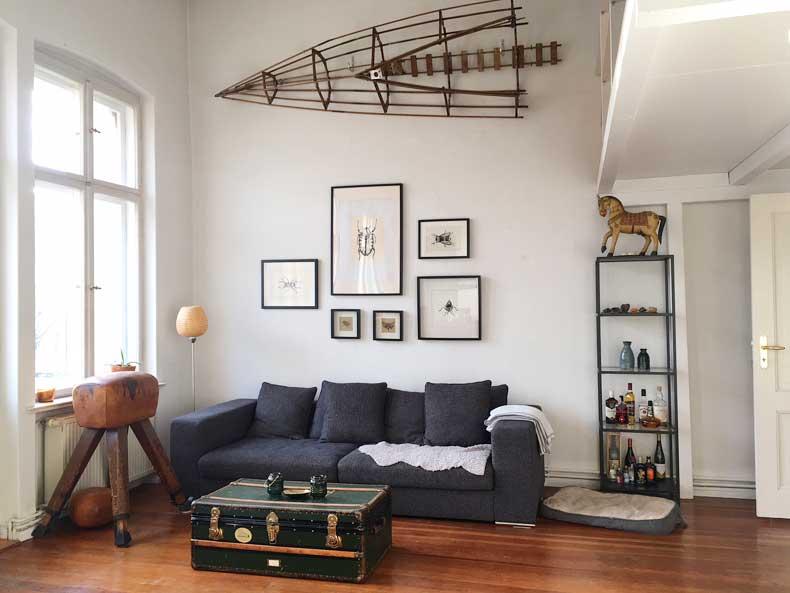 Interior Design in Wohnzimmer mit antiken Möbeln