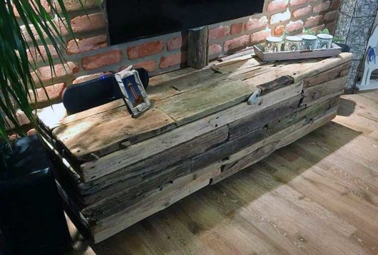 DIY TV Möbel aus Treibholz