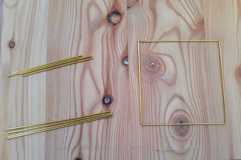 Himmeli Röhrchen werden verbunden zur Form